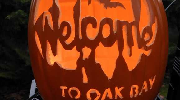 Oak Bay Pumpkin Art